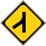 合流時のウィンカーの出し方は左右どっちが正解?一般道と高速の違い